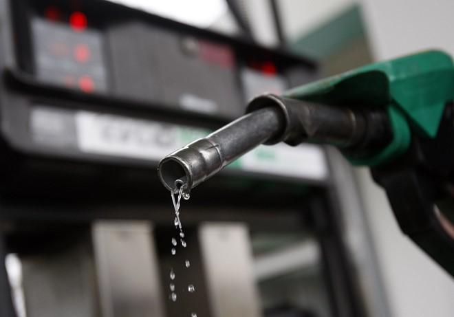 Giá xăng dầu ngày 13.5: Xăng trong nước sẽ tăng mạnh chiều nay ?